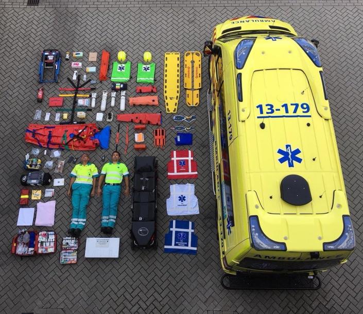 Infographic bovenzijde uitrusting Ambulance - Tetris Challenge